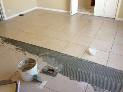 Tiling a lounge room - before